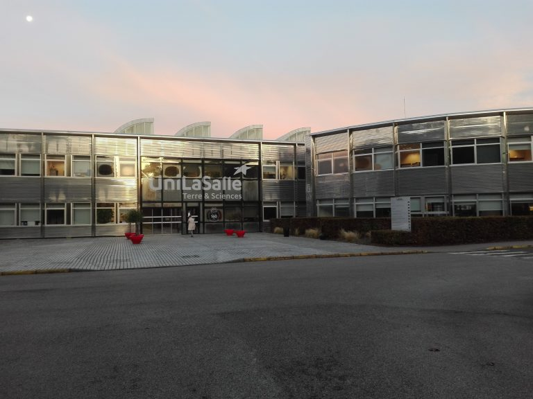 The main building at LaSalle -Beauvis this morning. I took the picture.