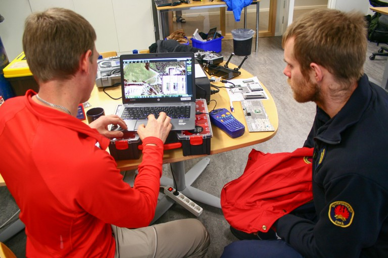 Mattias show the planning software to be used with the hexacopter.